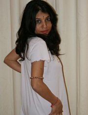 Pic gal 027. Kavya in her night suit waiting for her boyfriend